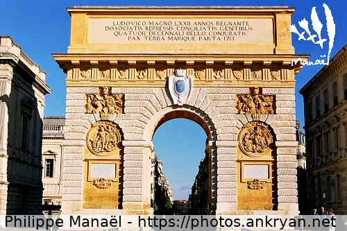Montpellier : Arc de triomphe / Au long du Golfe d'Aigues-Mortes / Trekking / France