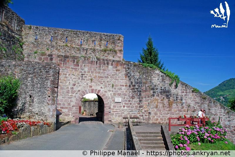 Rempart de la porte saint jacques saint jean pied de port ankryan photos - Mairie st jean pied de port ...