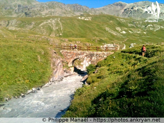 Pont romain, torrent du Fond (Massif du Grand Paradis / Italie / Val de Rhêmes - IT) © Philippe Manaël